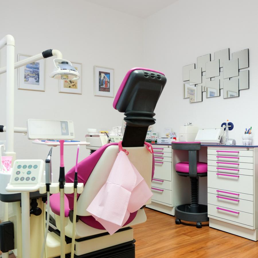 Dr. Tsitsa Behandlungszimmer 2